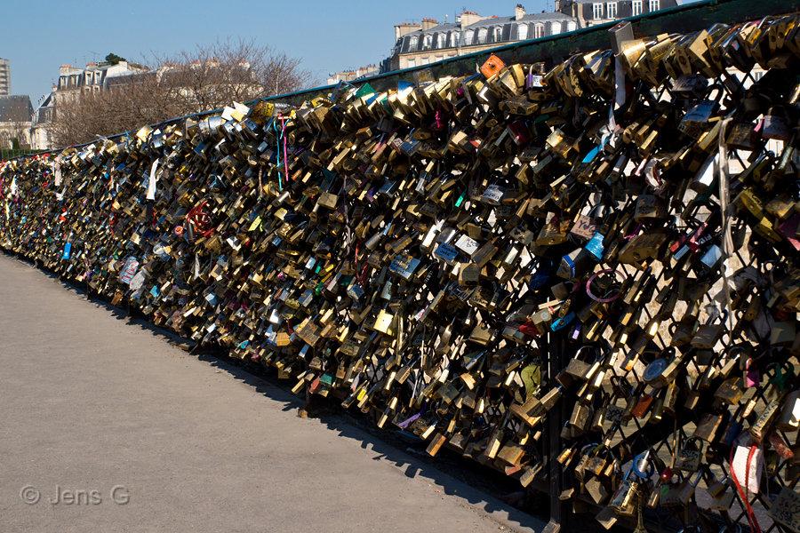 Hængelåse på en bro i Paris