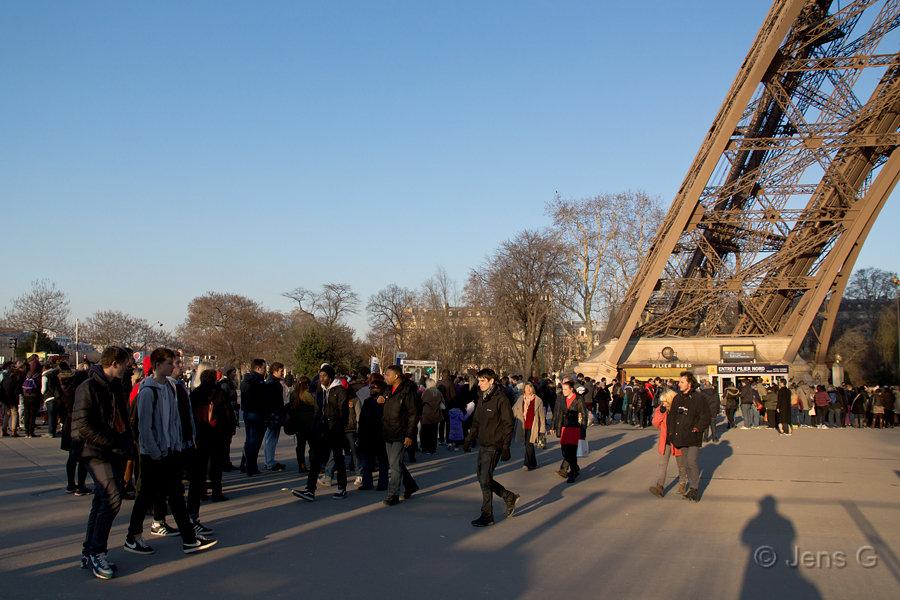Foden af Eiffeltårnet og min egen skygge